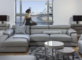 Luxusní obývací pokoj v šedé barvě