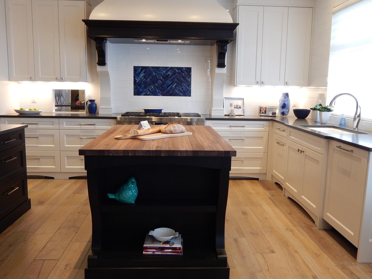 Kuchyňský ostrůvek – zbytečnost nebo nepostradatelné vybavení moderních kuchyní?