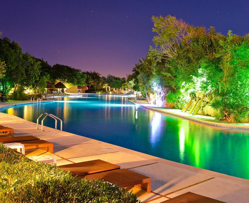 Světlo jako nejlepší doplněk v bazénu