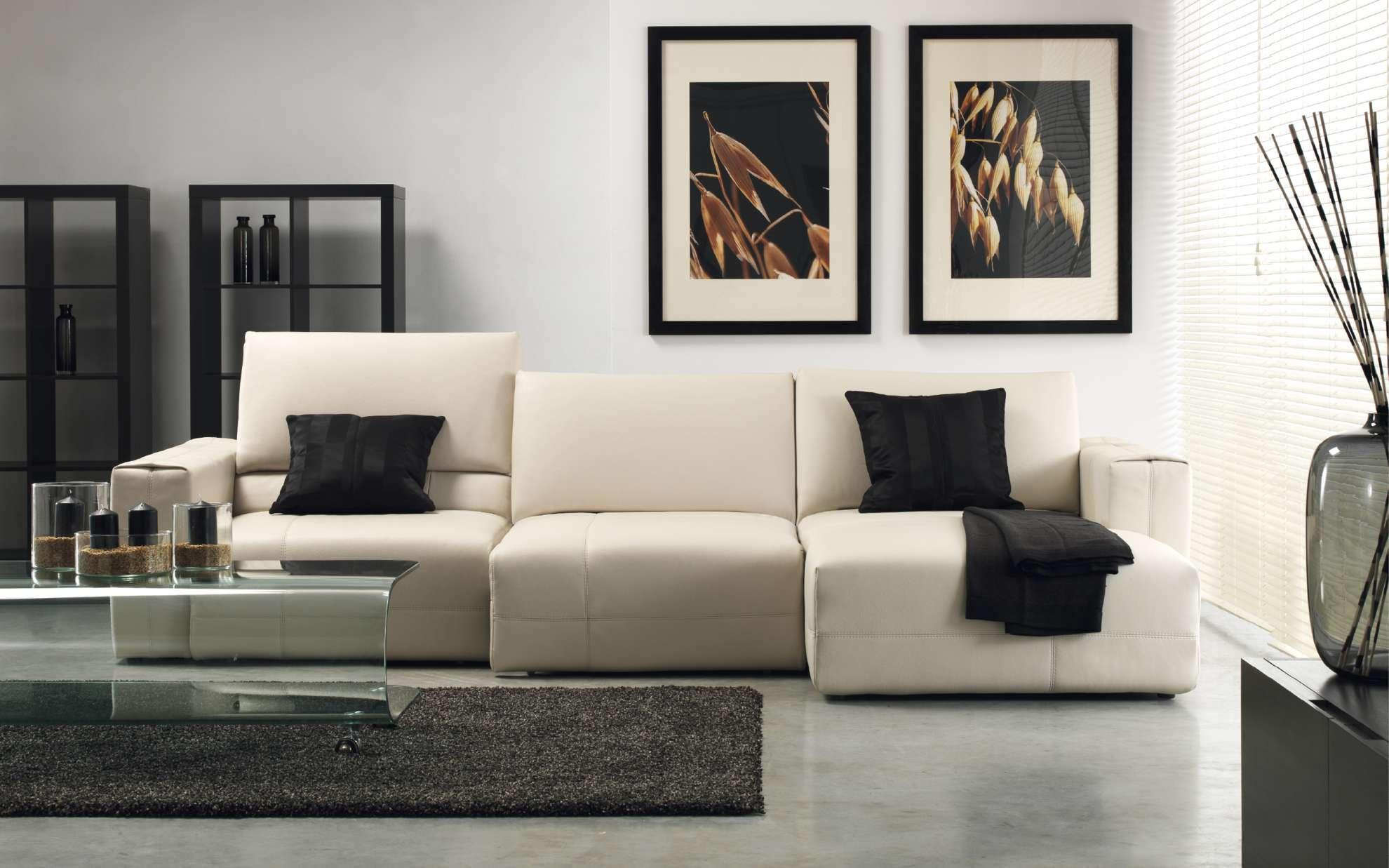 Moderní obývací pokoj v černo-bílé kombinaci