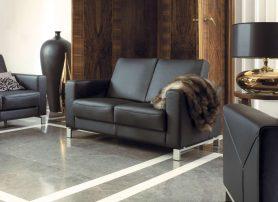 Kožená sedací souprava v interiéru