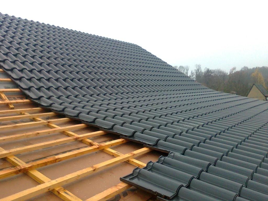 Střecha by vám při správném výběru řemeslníků měla sloužit desítky let