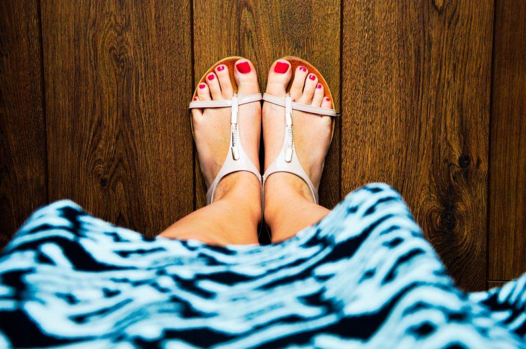 sandals-932756_1280