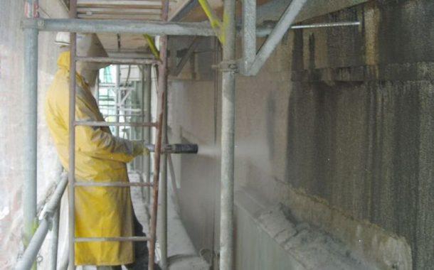 Tryskání pískem neboli pískování: Technologie se využívá nejen při čištění fasád